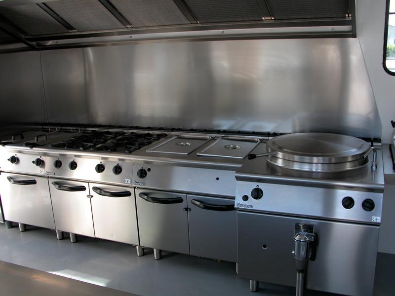 Cucina mobile tercam allestimento veicoli industriali - Cucina a mobile ...